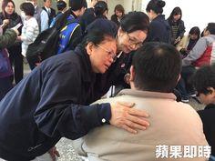 cool 遊覽車重大車禍 慈濟助念祈求亡者靈安   國5昨晚發生重大遊覽車禍死傷事故,慈濟&... http://taiwanese.moe/archives/613222 Check more at http://taiwanese.moe/archives/613222