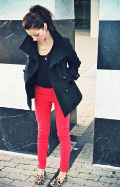Black tee, coat, red pants and loafers. Cute outfit to go out in for Fall!