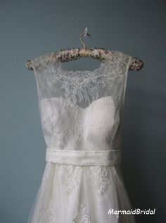 2013 Outdoor/ Destination wedding dress, Vintage lace wedding dress, Short wedding dress, Tea length wedding gowns. $166.99, via Etsy.