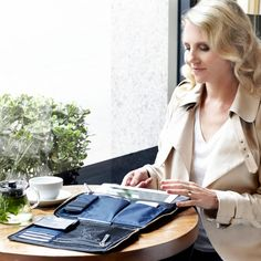 """Elektronista 10'' Digital Leather Clutch Bag in Navy 