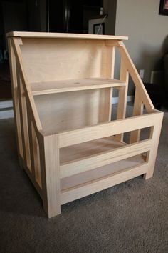 DIY toy box bookshelf - I plan to recreate this using pallet wood, changing design to suit & adding a hinged lid for toy box section