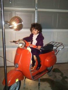 Funny pictures about Purple Rain. Oh, and cool pics about Purple Rain. Also, Purple Rain photos. Darwin Awards, Cool Costumes, Halloween Costumes For Kids, Costume Ideas, Baby Halloween, Funny Costumes, Halloween 2013, Creative Costumes, Halloween Town