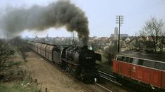 """""""Langer Heinrich"""" wurden die schweren Erzzüge genannt, die bis Oktober 1977 auf der Emslandstrecke von Dampflokomotiven gezogen wurden. Ihre Außerdienststellung markierte einen historischen Schnitt."""
