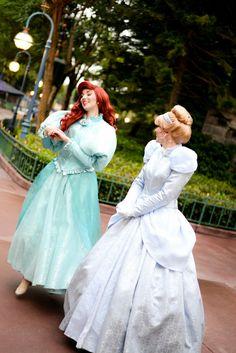 Disneyland Face Characters, All Disney Characters, Disney Princesses And Princes, Disney Frozen Elsa, Ariel Disney, Disney Cast, Cinderella Costume, Disney Designs, Walt Disney Pictures