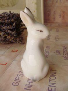 Vintage porcelain animal figurine,bunny,handpainted