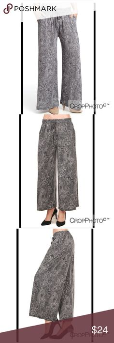 Wide Leg Pants Beautiful Print and Great Quality Pants with Pockets ! Multi Stretch waist! Material : 95% Polyester, 5% Spandex ! Free ONE SIZE Pants Wide Leg