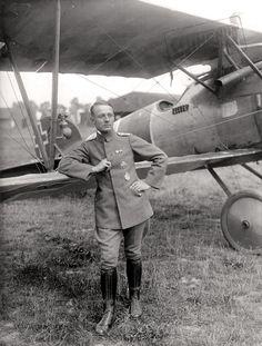 Friedrich Ritter von Röth (1893-09-29 - 1918-12-31) was a German World War I fighter ace with 28 shot down planes.