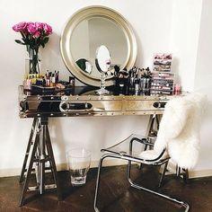 21 Makeup Vanities That Are Total Goals | Brit + Co
