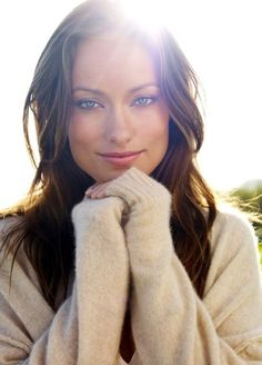 Olivia Wilde, love the sun behind her