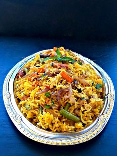 How To Make Quick Restaurant Style Vegetable Biryani Indian Food Recipes, Gourmet Recipes, Vegetarian Recipes, Cooking Recipes, Healthy Recipes, Rice Recipes, Healthy Rice, Curry Recipes, Salad Recipes