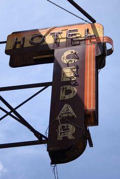 vintage_neon_signs23.jpg 427×640 pixels