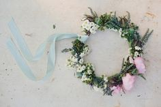 DIY flower crown.  This is made with fresh flowers, but could be done with silk for my little girl's dress up box.  So sweet!