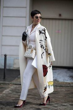 The Best Street Style Looks From Paris Fashion Week Fall 2018 - Fashionista women beauty and make up Trend Fashion, Look Fashion, Korean Fashion, Autumn Fashion, Fashion Outfits, Fashion Design, Fall 2018 Fashion, Fashion Hats, Fashion Women