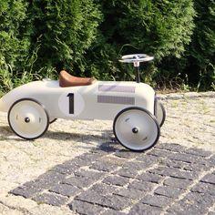 #Vilac #Jeździk biały metalowy Nr1 -absolutny bestseller od lat   Vilac white metal car #speedster   #RuchToZdrowie