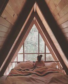 36 Ideas For Bedroom Loft Modern Tiny House Best Tiny House, Modern Tiny House, A Frame Cabin, A Frame House, Bedroom Loft, Dream Bedroom, Upstairs Bedroom, A Frame Bedroom, Night Bedroom