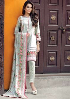AL Karam Winter 2 Piece Collection 2016 Vol 2 with price and Latest Styles; It is the most leading clothing brand of Pakistan. Pakistani Fashion Party Wear, Pakistani Couture, Pakistani Dress Design, Pakistani Outfits, Indian Fashion, Women's Fashion, Saris, Kurti Designs Party Wear, Dress Designs