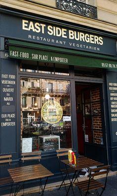 Best vegetarian burgers in Paris!