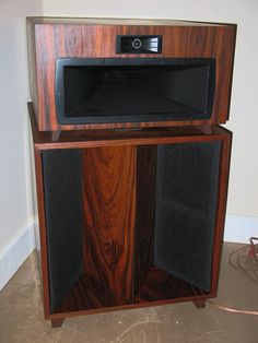 Klipsch Khorn V-Trac Upgrades - Restoration - La Scalas - Volti Audio Klipsch Speakers, Audiophile Speakers, Hifi Audio, Audio Speakers, Open Baffle Speakers, Horn Speakers, Monitor Speakers, Speaker Box Design, Speaker Plans