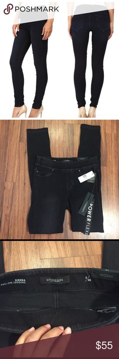 "[Liverpool] Sienna Pull-On Legging NWT. Color is undercover dark. Size 2/26. ~14.5"" waist 30"" inseam 40"" length. There is a lot of stretch to these pants all around making it super comfy. Liverpool Jeans Company Jeans Skinny"