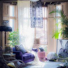 Impressive 20 Most Romantic Living Room Decorating Ideas To Amaze Your Guest https://bosidolot.com/2018/02/15/20-most-romantic-living-room-decorating-ideas-to-amaze-your-guest/