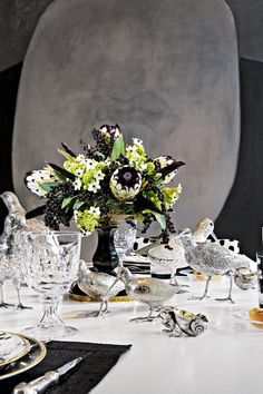 Albert Pinto: TableSettings - Decorate Shmecorate - Design2Share, home decorating, interior design, garden tips and resources