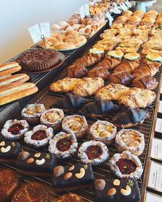 Cafe Food, Food Menu, Pastry And Bakery, Pastry Shop, Bakery Shop Design, Bakery Interior, Bakery Cafe, Food Places, Bakery Recipes
