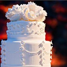 Que linda textura a desse bolo! Muita delicadeza para um casamento caprichoso e tradicional.  Que linda textura la de esta torta! Mucha delicadeza para un casamiento esmerado y tradicional.  #casarcasar #casamento #wedding #boda