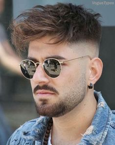 Popular & Stylish Men's Hairstyles & Haircuts Ideas for 2018 Top Hairstyles For Men, Hairstyles Haircuts, Haircuts For Men, Cool Hairstyles, Hairstyle Ideas, Classic Mens Hairstyles, 2018 Haircuts, Barber Haircuts, Trending Hairstyles