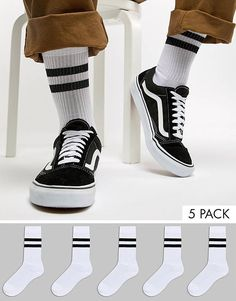Discover our stylish men's socks at ASOS. Shop our range of Happy, Paul Smith stripes & plain Hunter socks with ASOS. Sport Fashion, Fitness Fashion, Fashion Outfits, Asos, Cartoon Outfits, Designer Socks, Sport Chic, Living At Home, Nike