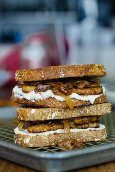 maple tempeh sandwiches with cashew cheese and caramelized onions + apples…