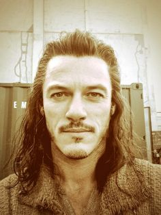 @TheRealLukevans: Today, I'm doing it for the humans in Middle Earth. World, I give you, Bard the Bowman. http://t.co/QXqdLZYKOc