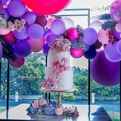Beautiful by @maryronisevents pic by @symbolique_photography flowers by @crazyaboutflowers paperie design by @edgehousedesign cake by @sweetbloomcakes balloons by @floating.designs #sydney