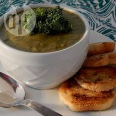 Romige groentesoep. Malse jonge boerenkoolbladeren en snijbiet zorgen voor een romige soep die bijzonder veel bètacaroteen levert. Bladgroenten bevatten bovendien veel vitamine K, die overmatig bloedverlies tijdens de menstruatie tegengaat