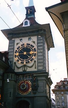 Clock Tower in Bern, Switzerland - photo by Whitney (w_a_b), via Flickr