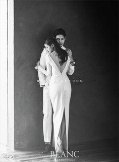 Ideas For Wedding Photos Sesion Couple Photography Korean Photography, Wedding Photography Styles, Couple Photography Poses, Photography Services, Pre Wedding Poses, Pre Wedding Photoshoot, Bride Groom Poses, Couple Goals, Marie