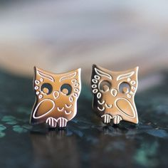owl stud earrings, rose gold stainless steel, for sensitive skin red gold gift for her Christmas Xmas forest woodland bird hypo allergic jewelry jewellery Bird Earrings, Rose Gold Earrings, Bird Jewelry, Mom Birthday Gift, Rose Gold Plates, Red Gold, Gifts For Her, Pottery, Style Matters