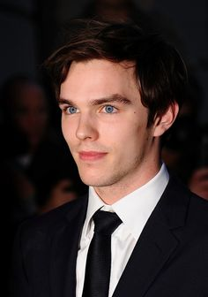 Nicholas Hoult- Just finished watching Warm Bodies. who knew zombies could be so good looking! His eyes are just amazing Warm Bodies, Tom Welling, Jude Law, Lily Collins, Mad Max, Nicholas Hoult Jennifer Lawrence, Matt Bomer, X Men, Jack The Giant Slayer