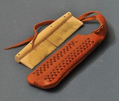 Comb case, leather Birka Bj 1074 (Sweden) - reconstruction