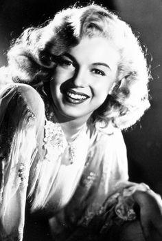 Laszlo Willinger - Marilyn Monroe (then still Norma Jeane Baker) - 1948 - studio photo for Ladies of the Chorus Classic Hollywood, Old Hollywood, Kay Francis, Greta, Marilyn Monroe Photos, Actrices Hollywood, Norma Jeane, Brigitte Bardot, Up Girl