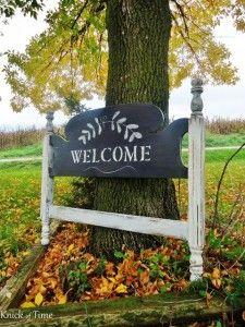 Turn an old headboard into a standing chalkboard welcome sign - www.knickoftime.net
