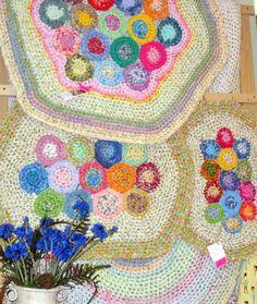 Multi-rounds crochet plastic bag rug