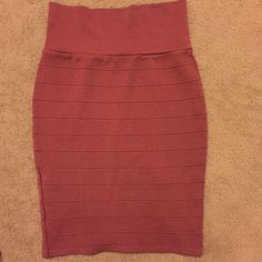 $10 | 1 HOUR ONLY!✨ Love! Little too small. Worn once! Skirts Pencil