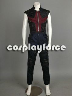 The Avengers Hawkeye Cosplay costumes - look how legit this is.