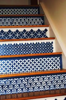 The Decorative Paintbrush, Designs by Mary Mollica: Moroccan Stenciled Steps - Daily Home Decorations Stenciled Stairs, Painted Stairs, Painted Floors, Inspiration Wand, Moroccan Stencil, Moroccan Design, Stair Steps, Stair Risers, House Stairs