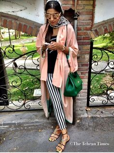Street style from Tehran (Iran) after new dress code laws were put in place in I would totally wear this outfit! Modest Fashion, Hijab Fashion, Girl Fashion, Womens Fashion, Fashion Dresses, Iranian Women Fashion, Islamic Fashion, Tehran Girls, Persian Girls