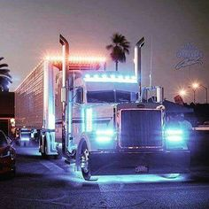 Super Big Truck Peterbilt Awesome Ideas TruckYou can find Peterbilt and more on our website. Show Trucks, Big Rig Trucks, Old Trucks, Custom Big Rigs, Custom Trucks, Big Ride, Peterbilt Trucks, Peterbilt 379, Truck Interior