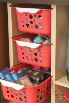 pull-out-drawers-from-dollar-store-baskets.jpg
