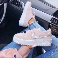 The new Nike Air Force 1 Sage Low Beige Trainers worn by girl with Champion Sweater and nails. Stylish shoes from Nike. Nike Shoes Air Force, Sneakers Fashion Outfits, Nike Fashion, Fashion Fashion, Hipster Fashion, Classic Fashion, Grunge Fashion, Modest Fashion, Fashion Clothes