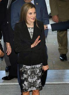 Thursday, September 18, 2014 Queen Letizia attended 'V De Vida' Award in San Sebastian, Spain.
