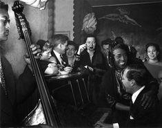 Chez Inès, Saint Germain des prés 1949 © Robert Doisneau